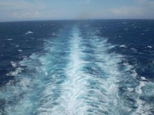 ship-wake-283065_1280